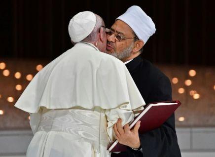 Au Moyen-Orient, le pape François plaide contre la guerre et lesinégalités