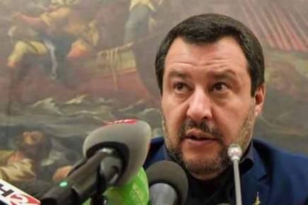 Salvini propose de prendre le contrôle des réserves d'or de la banque centraleitalienne