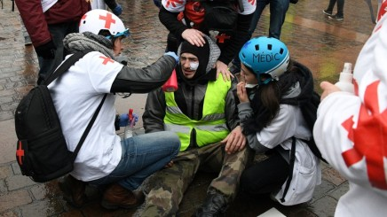 Gilets jaunes : l'ONU réclame à Paris une enquête sur l'«usage excessif de laforce»