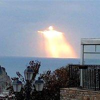Apparition du Christ illuminé dans le ciel d'Italie