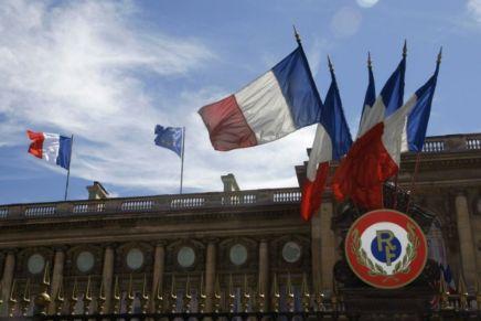 Nucléaire iranien: La France «déterminée à continuer» malgré les menacesaméricaines