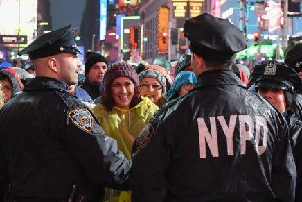 À New York, la police triche avec la reconnaissance faciale pour arrêter dessuspects