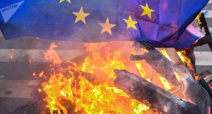 L'UE s'écroulera-t-elle sous peu pour finir en guerre civile? De nombreux Européens lepensent