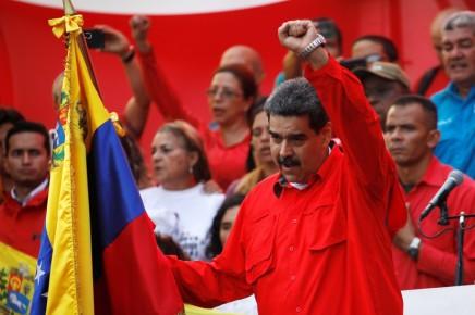 Venezuela : Maduro passe à l'offensive contre les « putschistes»