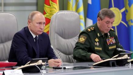 Poutine : la Russie doit se doter d'un système de défense contre les armeshypersoniques