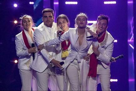 Lancement des répétitions de l'Eurovision malgré la pluie deroquettes