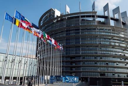 Européennes: inquiétude face à la montée de l'extrême-droite