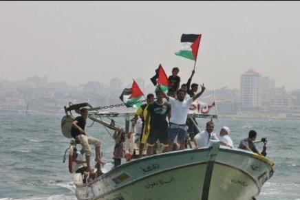 Gaza continue les tirs de roquettes et ballons incendiaires: Israel leur ferme des accès à lamer