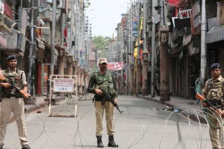 Le gouvernement indien révoque l'autonomie constitutionnelle duCachemire