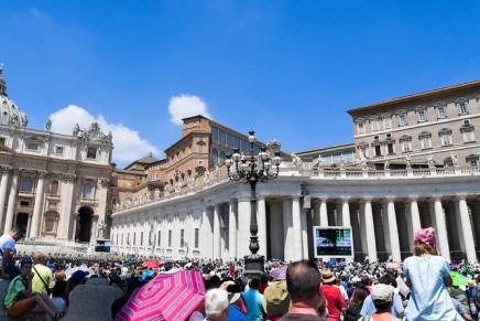 Vatican : un Irakien interpellé après avoir menacé de s'immoler aux abords de la place SaintPierre