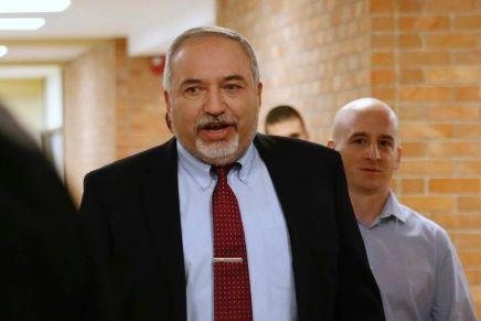 Liberman ne soutient ni Gantz ni Netanyahu, signalant un 3èscrutin