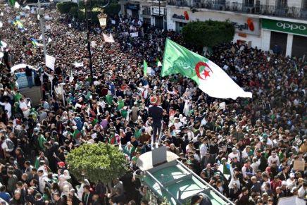 Les Algériens de nouveau dans la rue pour dire non à laprésidentielle