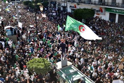 La présidentielle en Algérie fixée au 12 décembre(officiel)