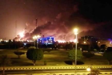 La production de pétrole de l'Arabie fortement réduite après une attaque dedrones